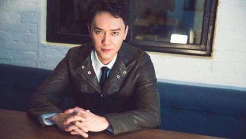网友偶遇冯绍峰,女助理拍照姿势引来猜疑,让人联想张丹峰事件