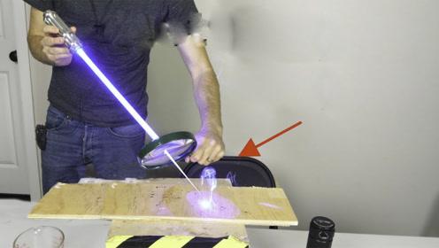 激光和放大镜是绝配,暴力组合下的实验,威力不可小觑