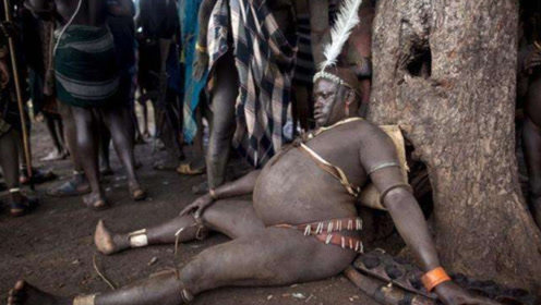 """非洲奇葩部落,无论男女从小增肥,越胖越是""""梦中情人""""!"""