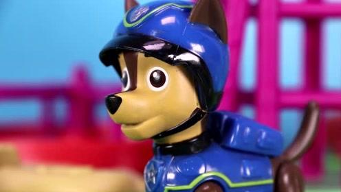 游乐园有辐射物质,莱德和狗狗们出发解决问题 汪汪队玩具故事