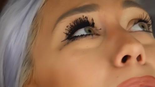 美女挑战极限化妆,在眼睫毛涂1百层睫毛膏,睁眼后效果简直绝了