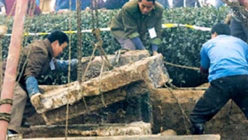 秦桧墓被发掘,揭晓岳飞的真实死因,说出来你可能不信