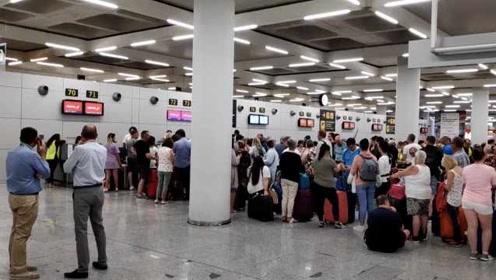 60万人在囧途,旅客愤怒回应英旅行社倒闭:要把钱拿回来!