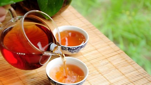 补脾健脾,关键看脚,睡觉多一步,喝一种茶,通经活络,养胃健脾