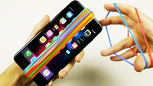 老外作死在iPhone7上包裹1500个皮筋,不怕手机勒断?