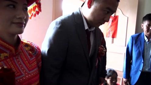 傈僳族婚礼拜堂仪式之起婚名过程