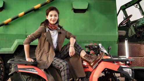 41岁刘涛沙漠骑摩托,穿风衣配皮靴率性洒脱,活力劲不输年轻人