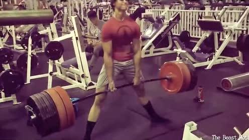 酷似贾斯汀比伯,21岁的美少年健身野兽!