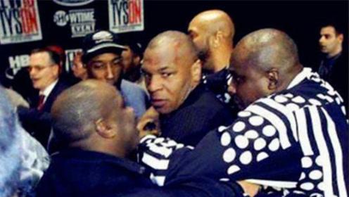 泰森儿子遭对手暴打,泰森看不下去霸气护子,上台一拳KO对手!