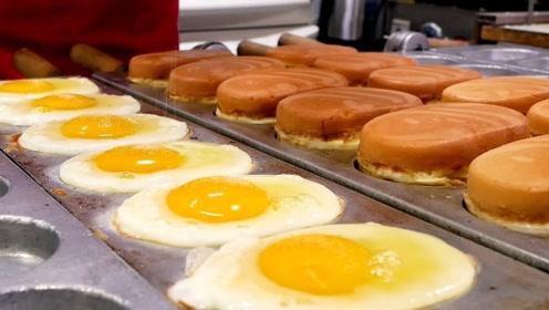"""韩国大姐街头卖鸡蛋饼, 3元一个,食客:一个字""""香""""!"""