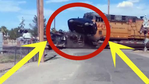 运输车铁轨上发生故障,无奈火车也已经驶来,这下一年白干了!