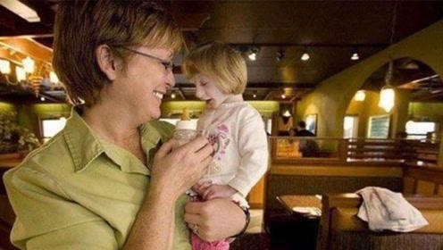 """世界上最小的女孩,医生断言活不过2岁,如今活成了""""奇迹"""""""