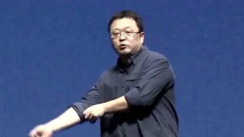 锤子科技罗永浩凌晨发声道歉,声称我对不起你们,网友直呼蹭热度