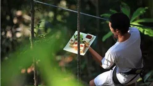 这家餐厅很别扭,要挂在树上吃饭,成为泰国的网红