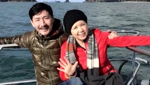 """患癌前妻隐瞒病情和他离婚,再娶女富豪,49岁的""""元芳""""心存愧疚"""