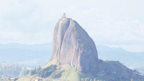 世界最大的巨石,有人在上面盖了房子,每天回家要相当于爬60层楼