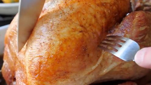 美国人非常喜爱的火鸡,为何在中国却被嫌弃呢?切开一看就知道!