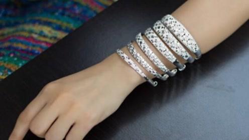 女孩坚持每天带银首饰,5年后会有什么变化?看完快告诉爸妈