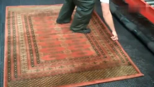 清洗地毯,也可以说是翻新了,强迫症看后感觉很舒服