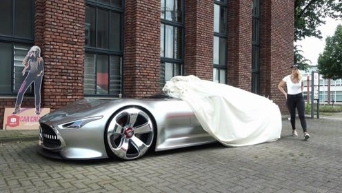 女土豪拉开遮车布那一刻,我才知道什么叫做超级跑车!