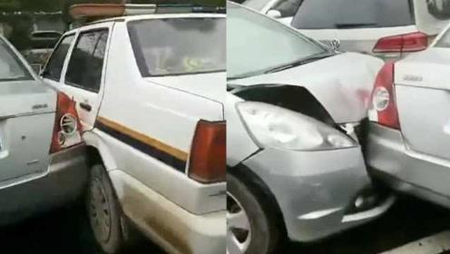 新手女司机交警队里连撞5车:有辆还是警车!错把油门当刹车