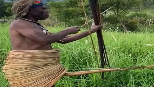 地球上最原始的部落,看看他们奇特的服饰,是不是有些不敢相信