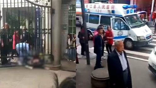 四川南江一小学保安被刺死在学校门口:嫌疑人因纠纷行凶已被刑拘