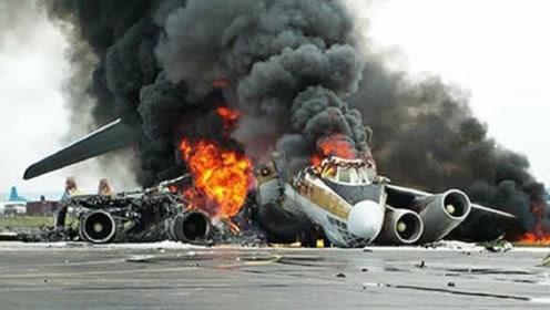 为什么客机出事故宁愿坠毁也不让乘客们跳伞逃生?真相让人泪目了