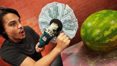 用10000美元切水果会怎样?老外亲自测试,网友:有钱任性!