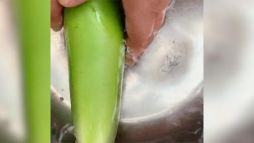 用绿茄子做酱茄子!加点东北大酱那是真香啊,下饭菜第一名!