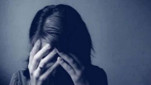 这个世界上,有这样一群会笑的抑郁症患者,他们在笑,却并不快乐