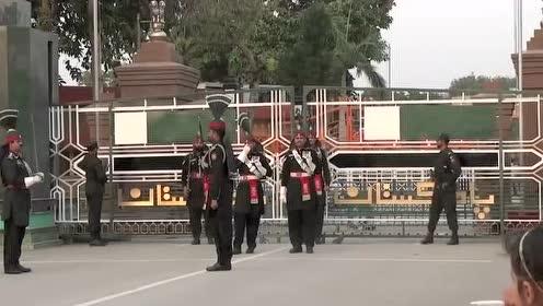 搞笑的印巴边境降旗仪式 他们自己难道不觉得尴尬吗