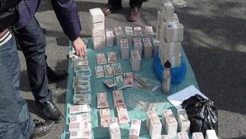越南出现怪异现象,街头摆着大量人民币,不怕被偷被抢吗