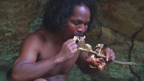 野外生存:大哥刚抓获一只野鸡,赶紧拔毛慢慢火烤,下一幕嚼得真有味