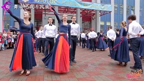 平均身高175cm!一个班的乌克兰女生集体出场,简直是视觉挑战