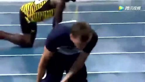 选手为了追博尔特,跑到腿抽筋