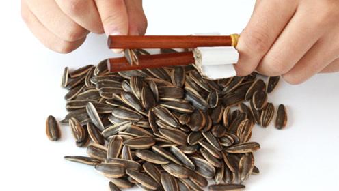 爱嗑瓜子不用嘴,筷子做一个剥瓜子小工具,剥得又快又完整