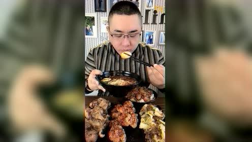 美食吃播:摊摊面