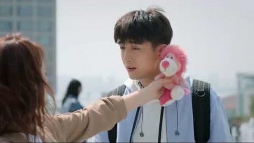 《没有秘密的你》江夏要扔掉林星然的礼物,张孝阳送的太丑了!
