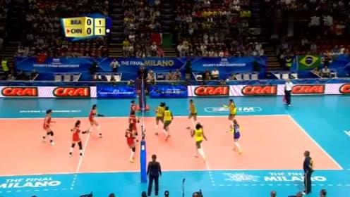 太搞笑!朱婷随手一推幸运得分,巴西全队还在天空找球?朱婷:落地啦