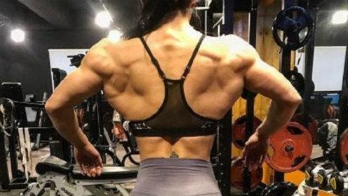 """韩国美女身高160,体重280斤,一身肌肉强到""""炸裂""""!"""