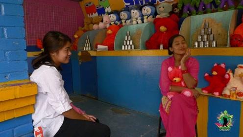 尼泊尔妹子的工资,实在是太低了!中国小哥想带她们来中国
