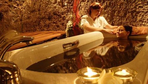 世界上最贵的澡堂3000元洗一次澡 看到浴池的东西感觉值了!