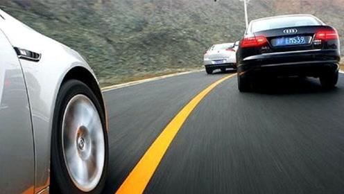 超车时对面突然来了一辆车,急加速还是怎样?老司机教你正确方法