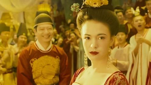 妖猫传:和尚躺进杨贵妃的棺材,在看到一样东西后,他瞬间崩溃