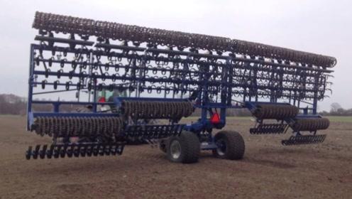 看看美国的旋耕机,犁地松土一次成型,一个小时就是300亩