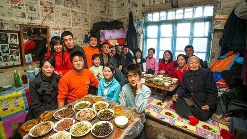 为什么东北一家人都睡在一个炕上,不会尴尬吗?老人说出原因!