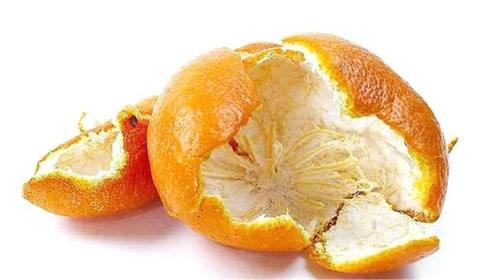 """吃完的橘子皮真是个""""宝"""",姑娘教你这样利用,厉害又省钱,学学"""