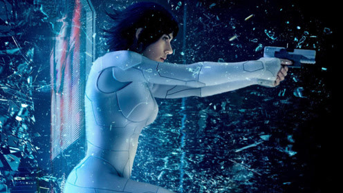 一部由漫画改编的科幻片,女孩除了大脑保留之外,其它全是机器