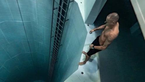 """世界上最深的""""泳池"""",玩一次要2000元,游客却多到爆满!"""